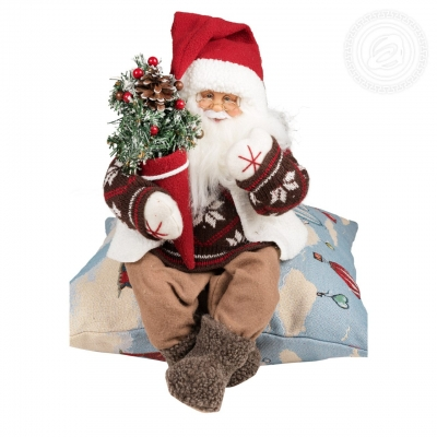 Дед Мороз сидит с елочкой