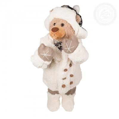 Мишка в белом пальто